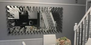 7 Tips to Use Mirrors to Brighten Up Your Home