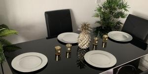 Modern Dining Room Ideas to Wow Your Dinner Guests