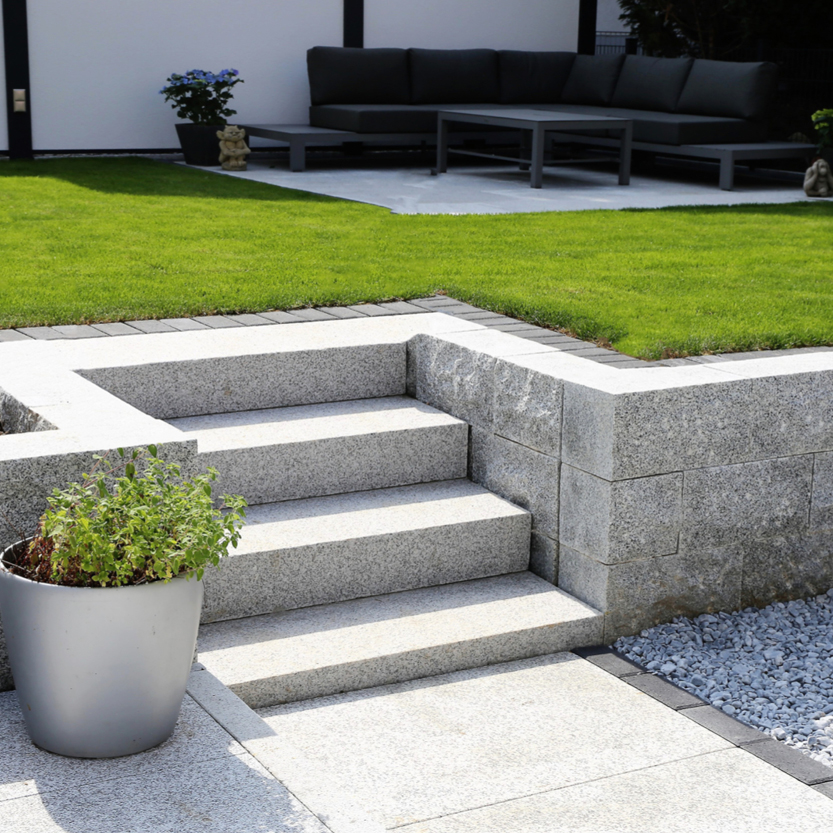 Image of a tidy garden. Keep outside spaces tidy to prepare your home for sale
